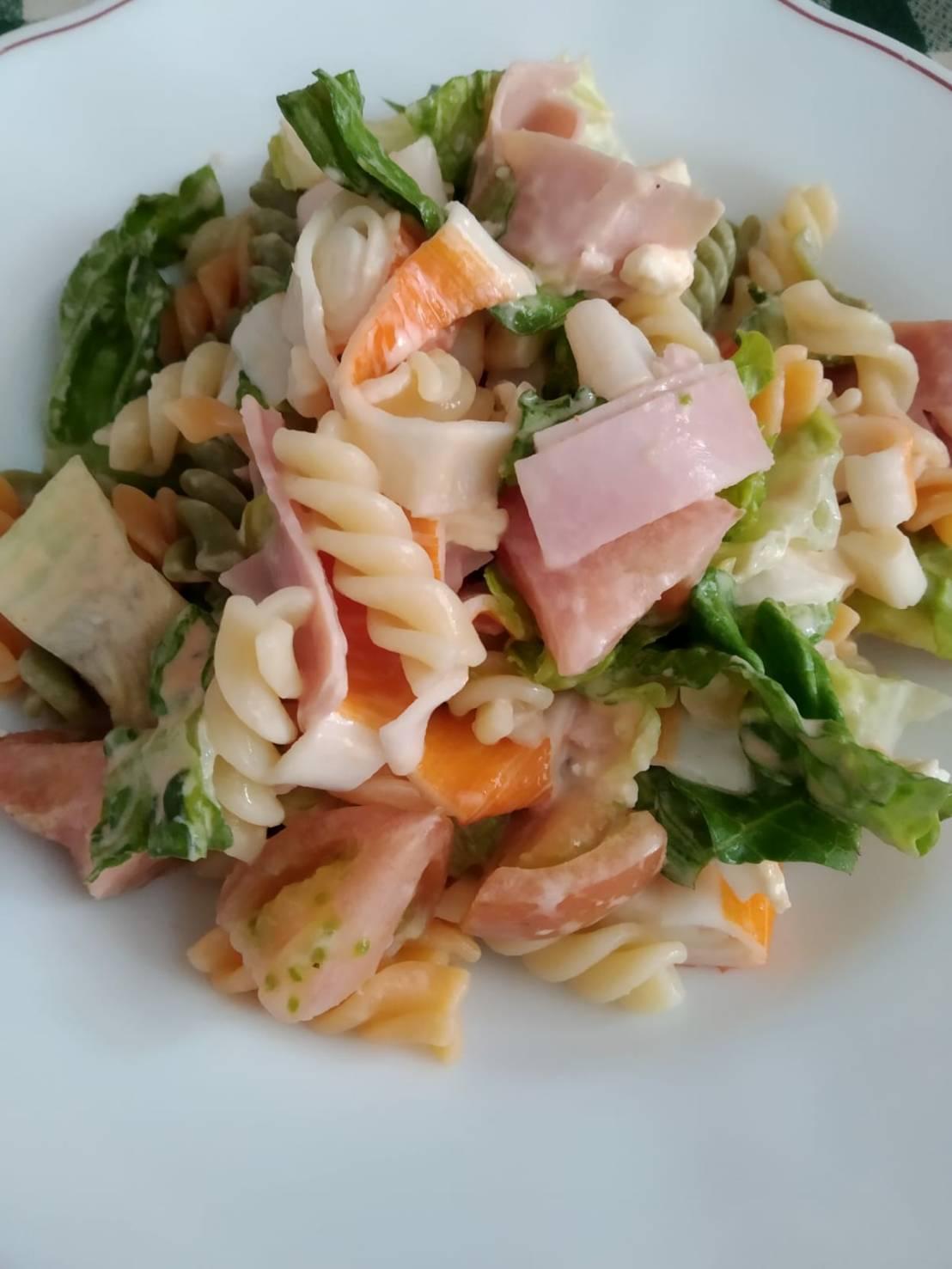 人妻さん日誌:マカロニのサラダを作